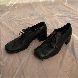 Vintage Black Leather Heeled Shoes